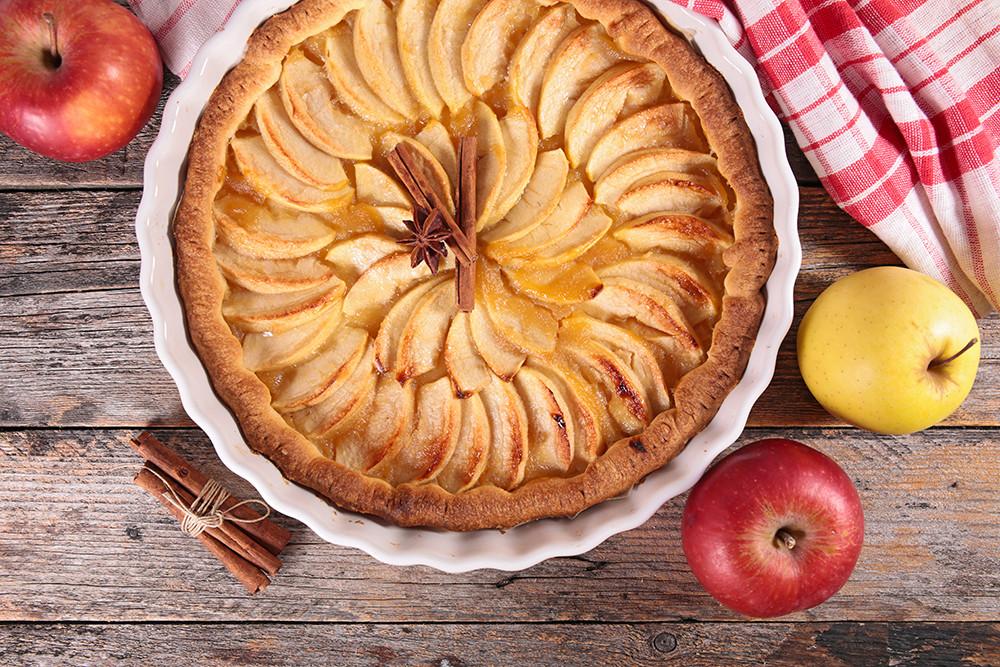 """Naujas vegetariškų bei veganiškų saldumynų gamintojas """"Chandra Lovers Sweets"""" gamina laikydamiesi ajurvedinės virtuvės principų. Renginyje jie siūlys tortų, pyragų, veganiškos panakotos. Organizatorių archyvo nuotr."""