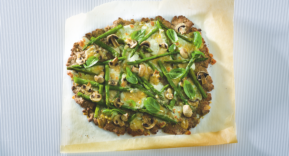 Pica su šparagais ir pievagrybiais, vmg receptas