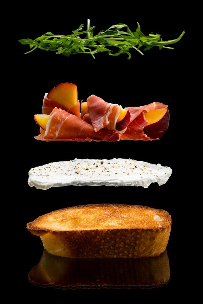 Brusketos su persikais ir itališku kumpiu, vmg receptas