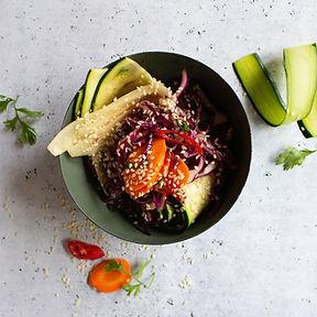 Lengvai marinuotų daržovių salotų receptas