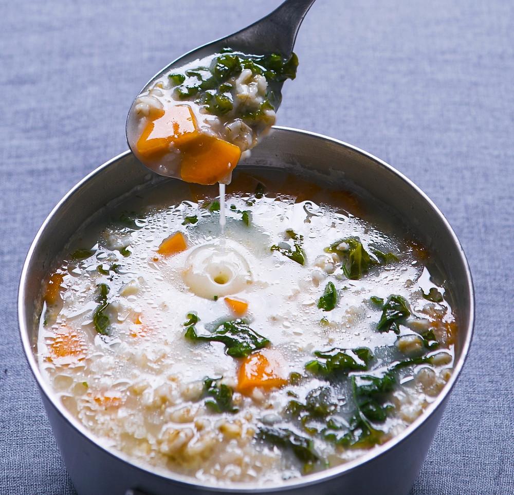Avižinių dribsnių ir lapinių kopūstų sriuba, vmg receptai