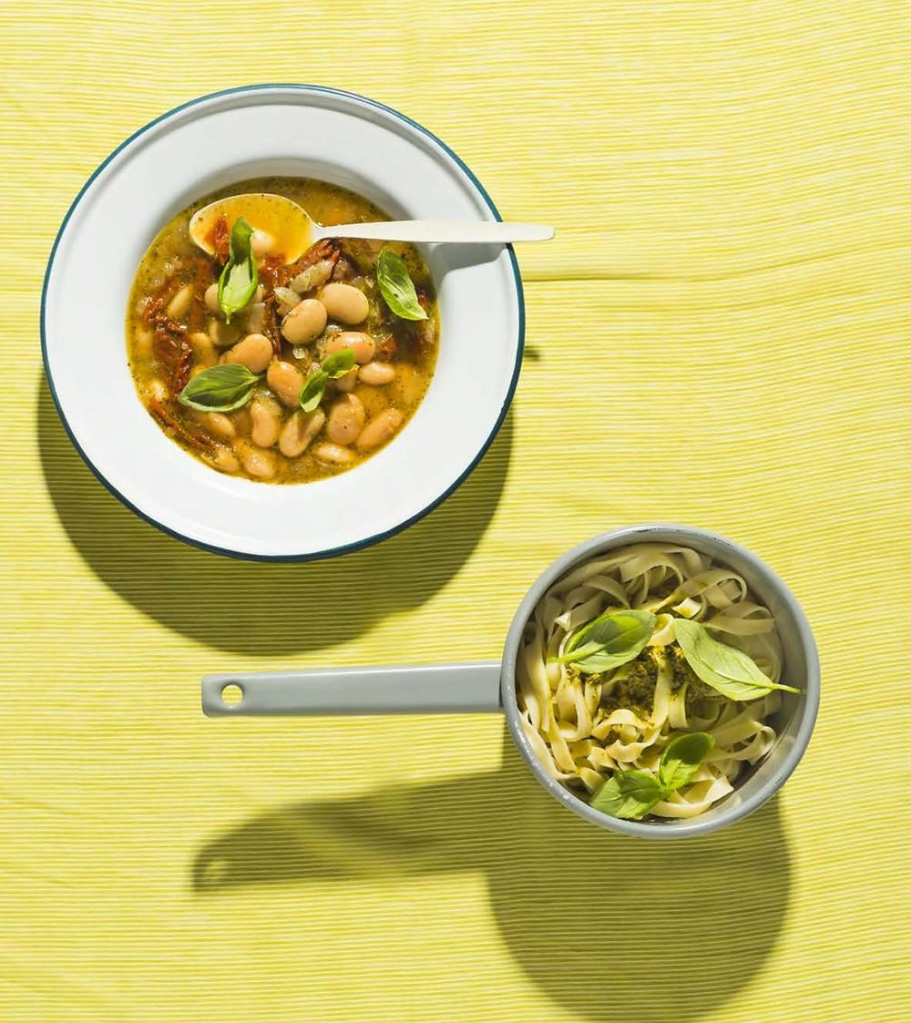 greitai pagaminama vakarienė, pesto padažas, pupelių sriuba, makaronai su pesto padažu, greiti receptai