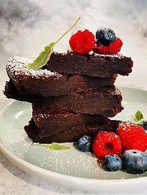 Greitas drėgnas šokoladinis pyragas be miltų patiks visai šeimai
