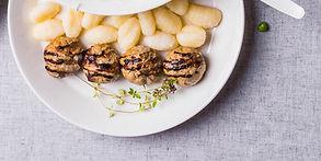 Vakarienė per 30 minučių: įdaryti vištienos kukuliai