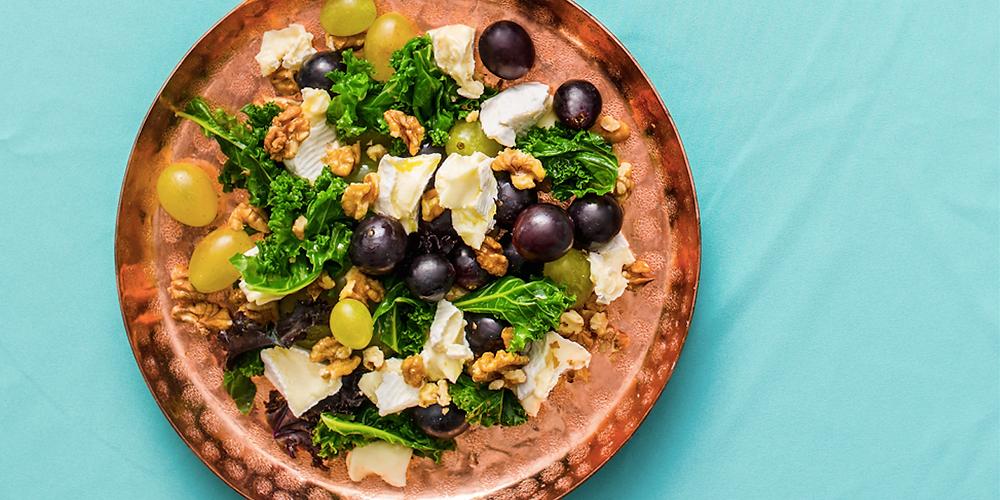 Salotos su lapiniais kopūstais, vynuogėmis ir sūriu, vmg receptas