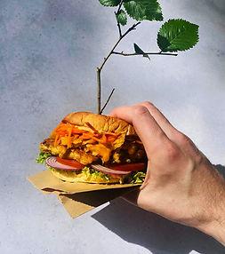 """Traškusis """"burgeris"""" milžinas su sultingu paplotėliu (Alfo receptas)"""