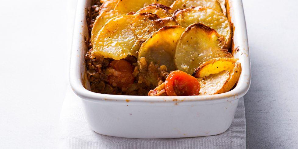 Bulvių riekelių apkepas su lęšiais ir daržovėmis, vmg receptas