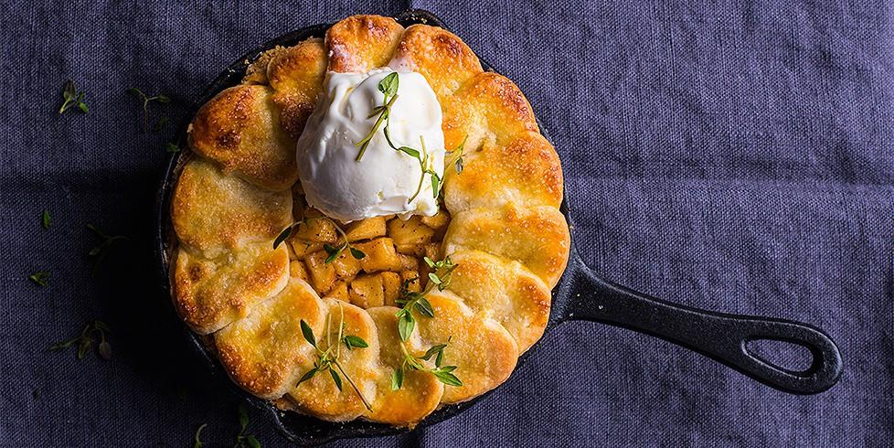 obuoliu pyragas su ledais