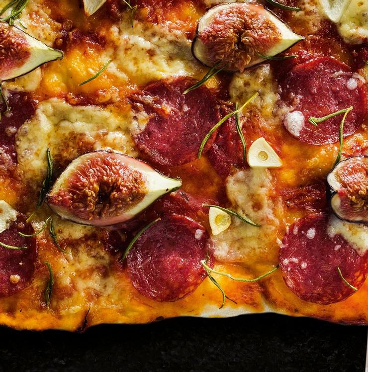 pica su saliamiu ir rozmarinu, Alfo Ivanausko receptas