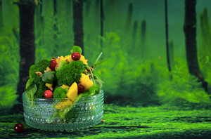 Brokolių salotos su mangu ir saulėgrąžomis, vmg receptas