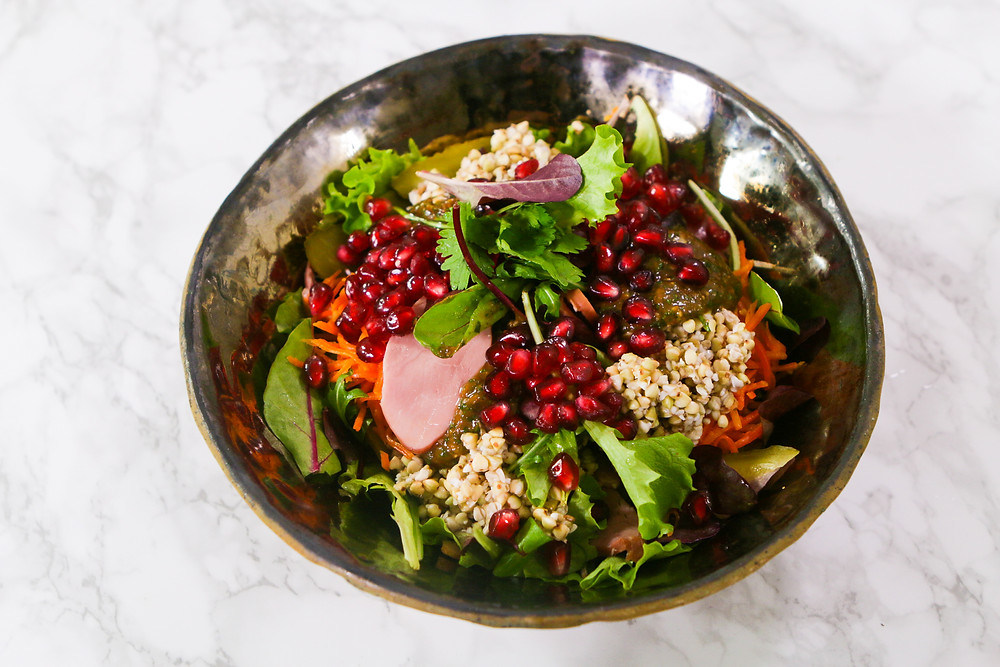 VMG valgo: salotos su saulėgražų daigais ir mangais, vmg receptas