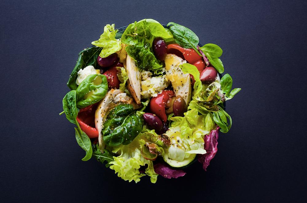 Griliuotų daržovių ir vištienos salotos, vmg receptas