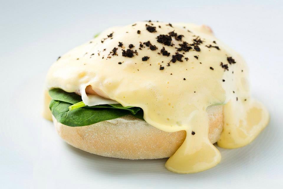 """Benedikto kiaušiniai (Restorano """"Stebuklai"""" nuotr.)"""