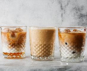 Šaltos kavos deserto pertraukėlė: 5 gaivinantys receptai su NESPRESSO