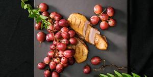 Lėtai kepta antienos krūtinėlė su vynuogėmis, vmg receptas