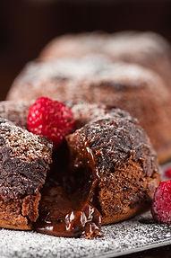Neatsivalgomas šokoladinis lavos pyragaitis (receptas)