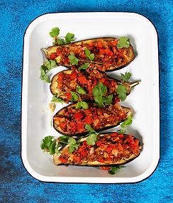 Apsilaižysite pirštus: lęšiais ir raudonąja paprika įdaryti baklažanai