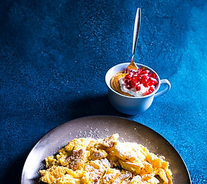 Saldus omletas puodelyje (receptas)