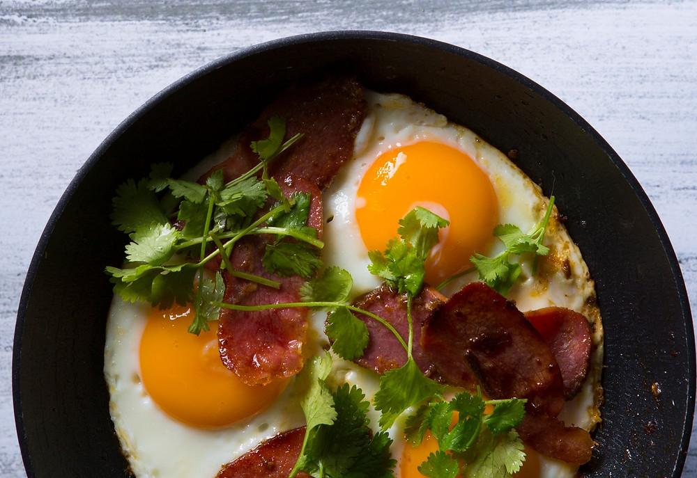 Kiaušinienė su basturma, vmg receptas