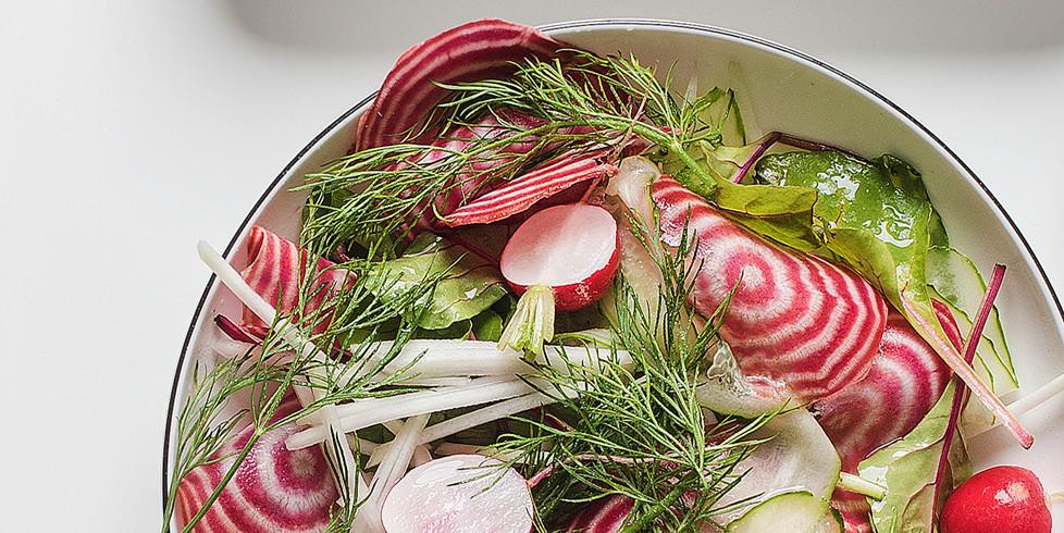 Kaliaropių ir jaunų burokėlių salotos, vmg receptas