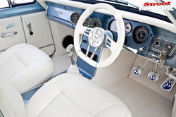 holden-hd-interior-front