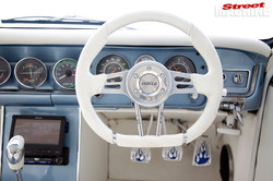 holden-hd-dash