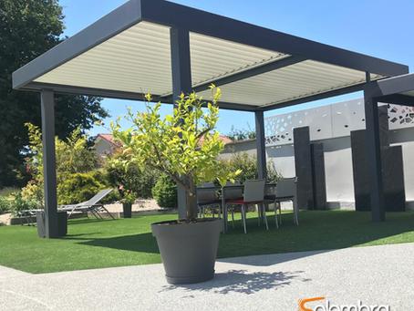 Pergola bioclimatique autoportée : rendez votre jardin époustouflant