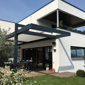Belle intégration dans villa contemporaine