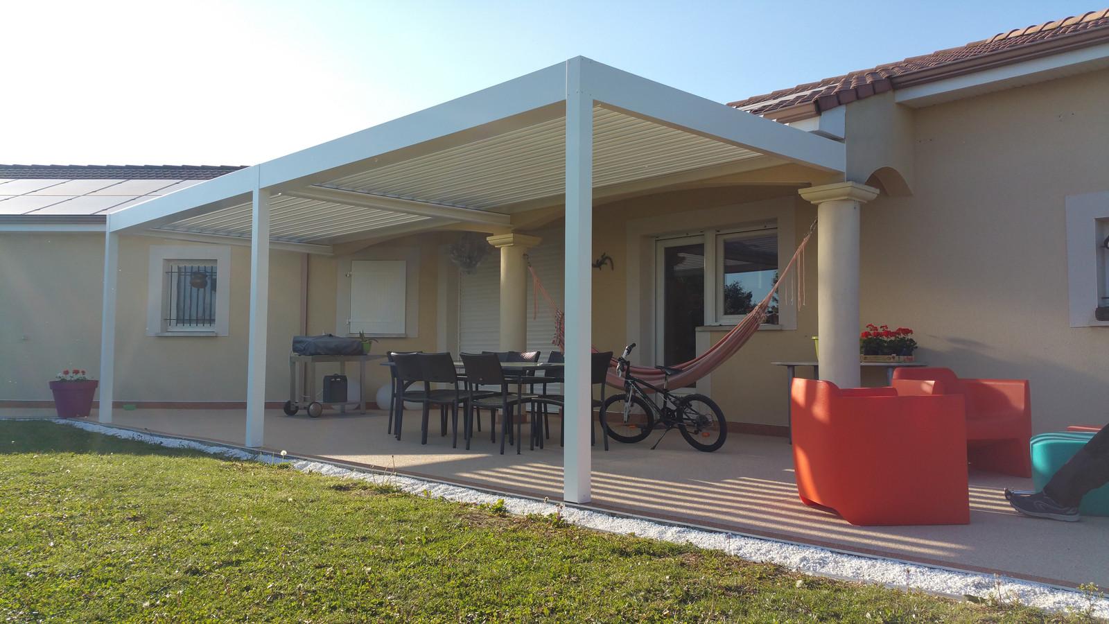 pergola bioclimatique solembra so 39 by solembra. Black Bedroom Furniture Sets. Home Design Ideas