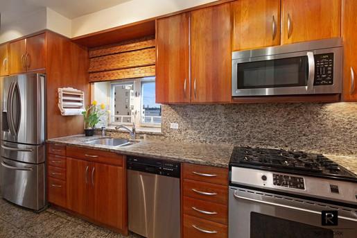 16C kitchen lowres.jpg
