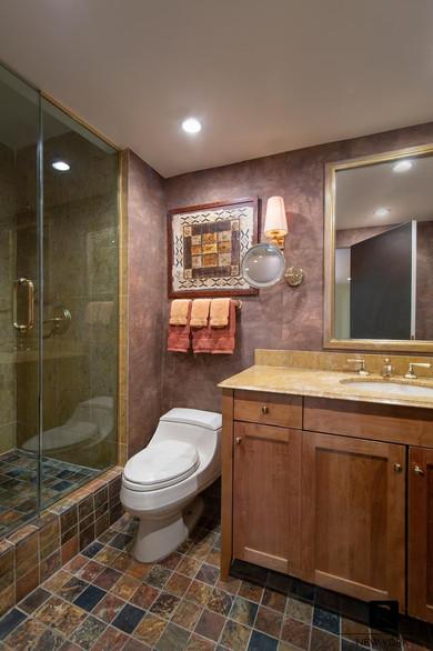 16C bathroom lowres.jpg
