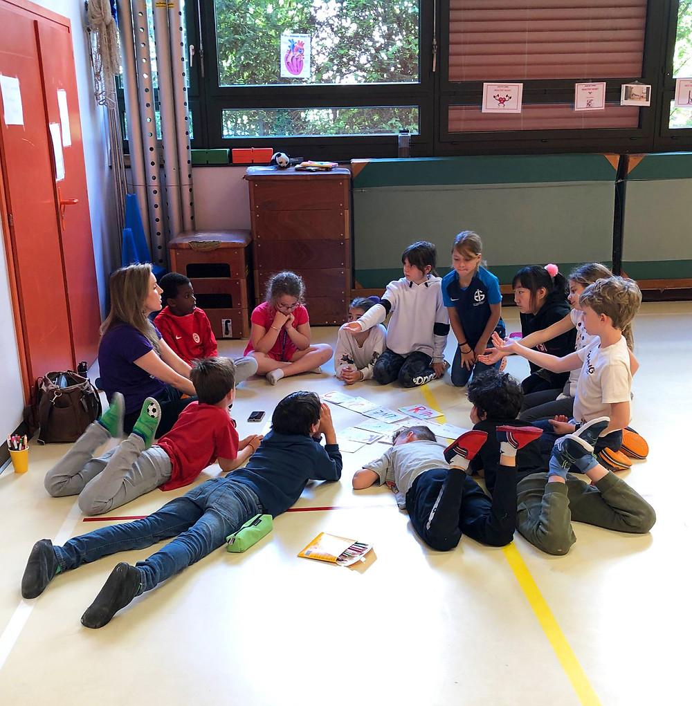 Children P4C circle discussing philosophical ideas