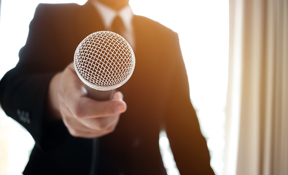 journalists-filing-microphone-interviewi