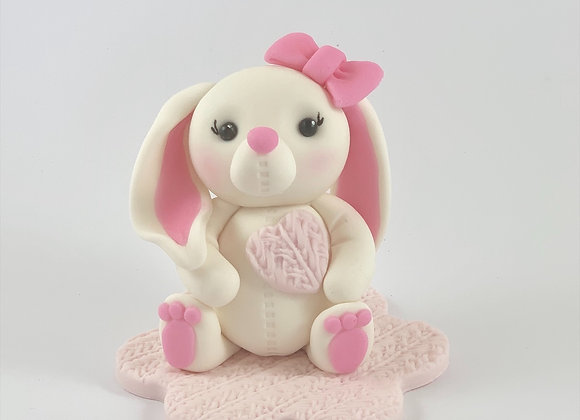 Fondant Rabbit holding Heart