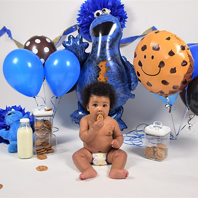 Iyon's 6 Month Cookie Monster Shoot