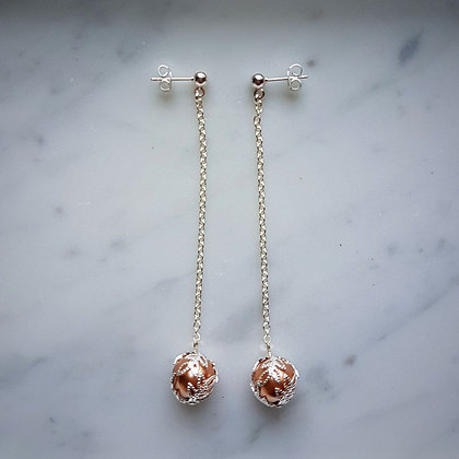 Pearl Drop (with silver chain) Stud Earrings in Cream Rose