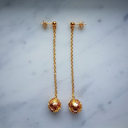 Pearl Drop (with gold chain) Stud Earrings in Cream Rose