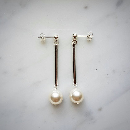 Pearls (White) and Bar Stud Earrings in Silver