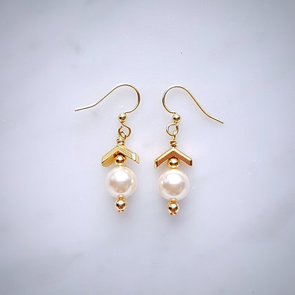 Pearl Drop (Cream Rose) and Chrevon Design Hook Earrings in Gold