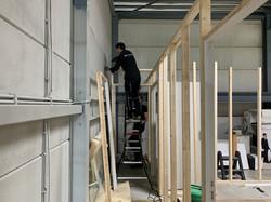 Het framewerk van de verdiepingsruimtes krijgt vorm