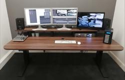 Wing London - Height Adjustable desk