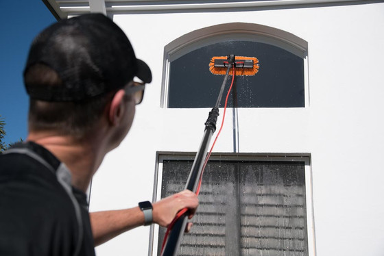 What to look out for when booking a window cleaner in Brisbane.