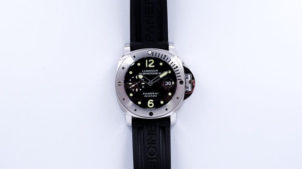 ⦁ Panerai Luminor Submersible ⦁