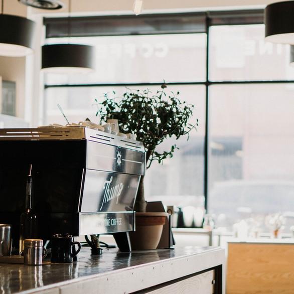 Reforma Integral de Cafetería en Madrid