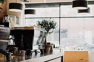 一個咖啡館的室內