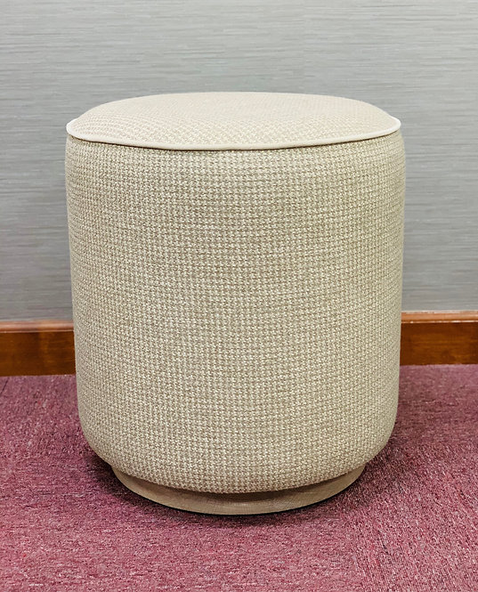 MESHED POUF