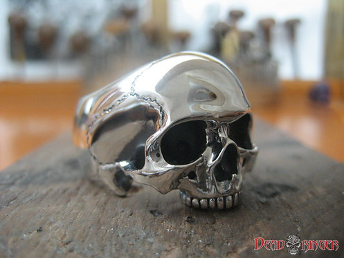 Yorick II Skull Ring