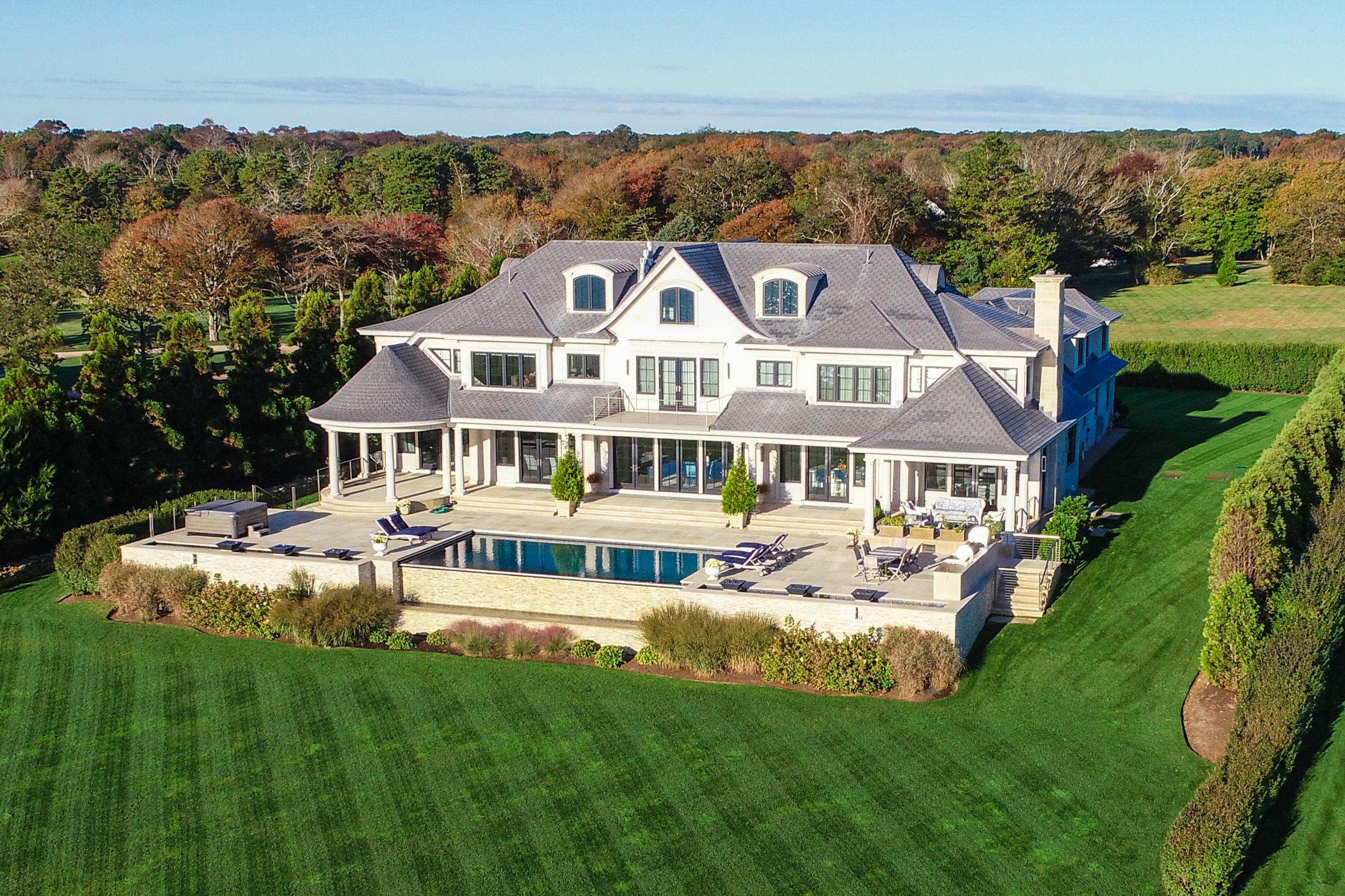 518 Ocean Road, Narragansett