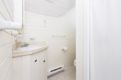 024-Bathroom-4398705-medium