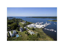Aerial View / Direct Waterfront